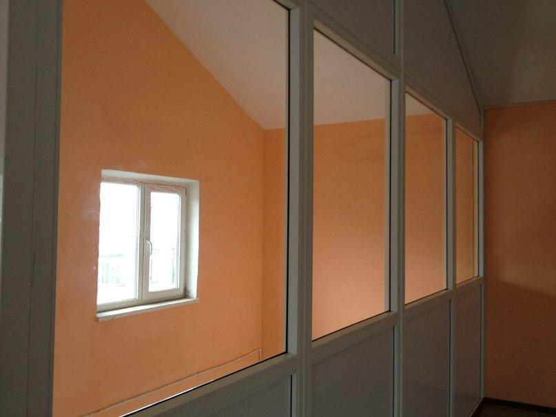 Окна в помещение